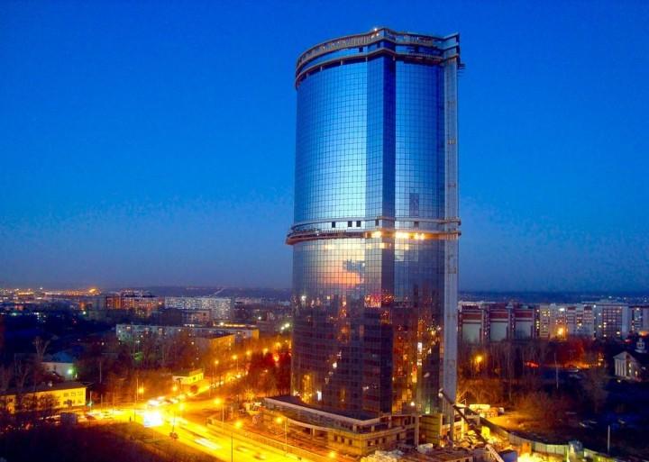 Первый небоскреб Казани на стадии завершения